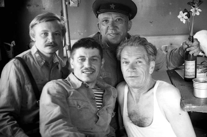 На съемках фильма 20 дней без войны - Михаил Кононов, по центру я сам, Юрий Владимирович Никулин и справа – Валентин Печников