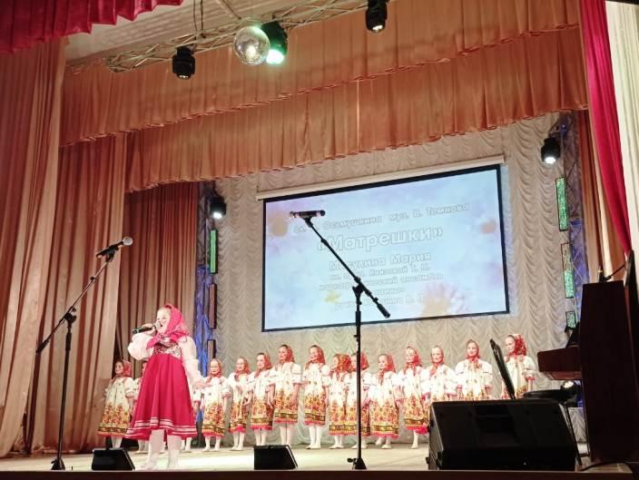 matreshki-misulina-mariya-i-horeograficheskij-ansambl-goroshiny